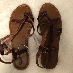 Stewpot sandals